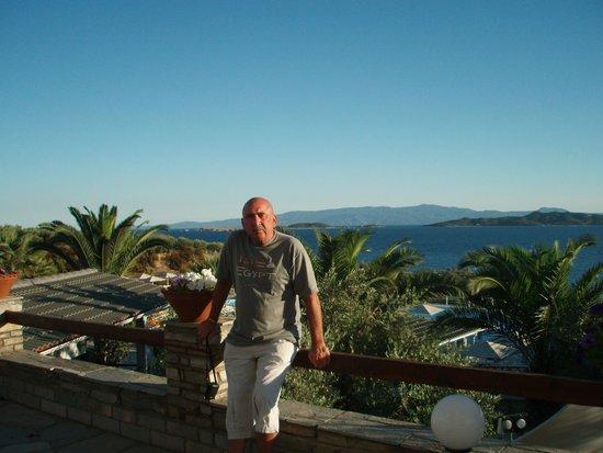 Akrathos Beach Hotel: вид на море