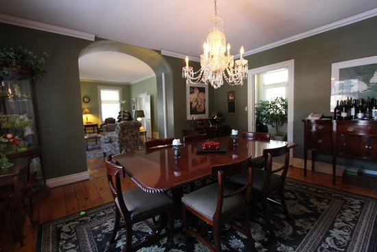 The Doctor's House B&B: Dining Room