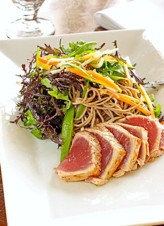 Leroy's Kitchen + Lounge: Peanut + Udon Salad with Seared Ahi