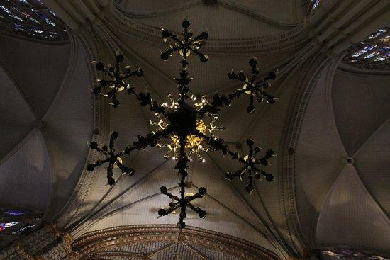 Catedral Primada: Un lampadario