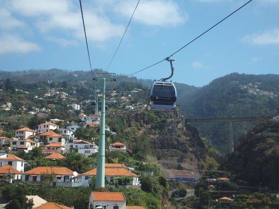 Téléphérique de Funchal : On the way up