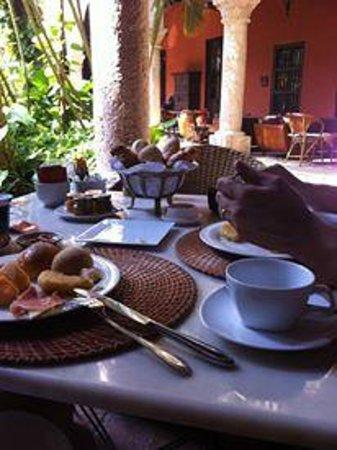 Sofitel Legend Santa Clara: Café da manhã na varanda
