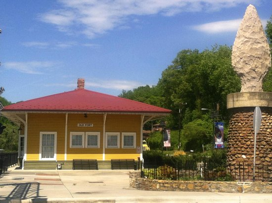 Old Fort Railroad Museum: Old Fort Train Depot & Railroad Museum Visitor Center