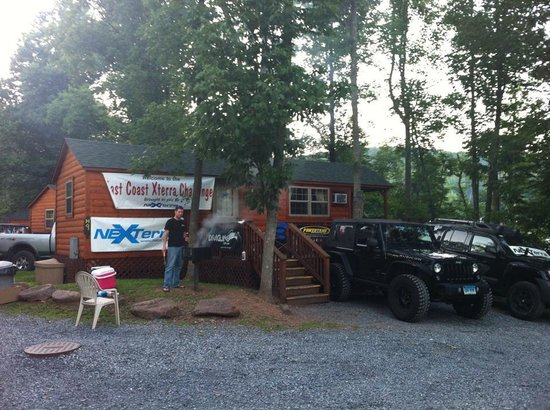 Twin Grove RV Resort & Cottages : Outside of Cabin