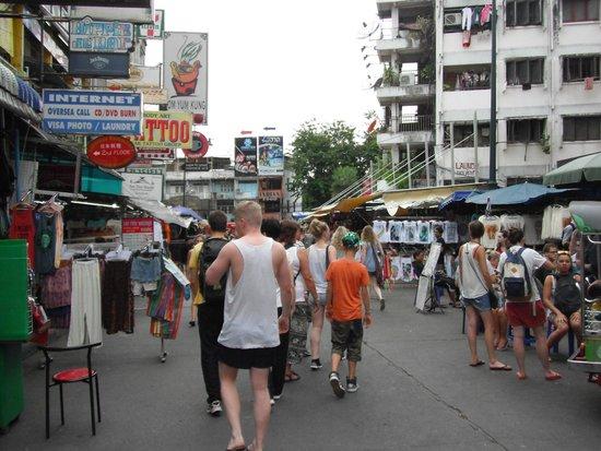 Chart Guesthouse & Restaurant: знаменитая улица