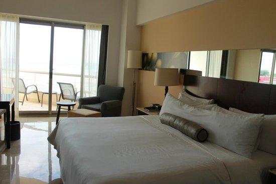 Live Aqua Beach Resort Cancun: Our garden view room