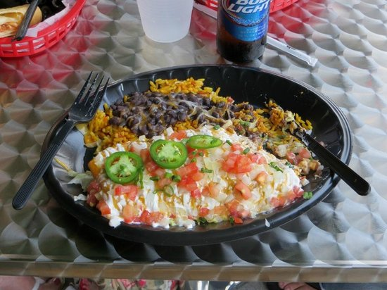Tijuana Flats: Chimichanga with black beans.