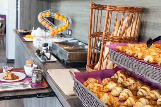 Comfort Hotel Bordeaux sud à Gradignan : Buffet petit déjeuner