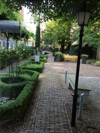 Hotel Pulitzer Amsterdam: The nice garden