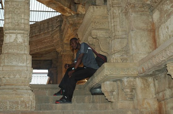 Adalaj Step-well: Abdul taking a break