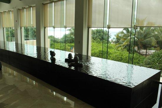 Live Aqua Beach Resort Cancun: In the lobby
