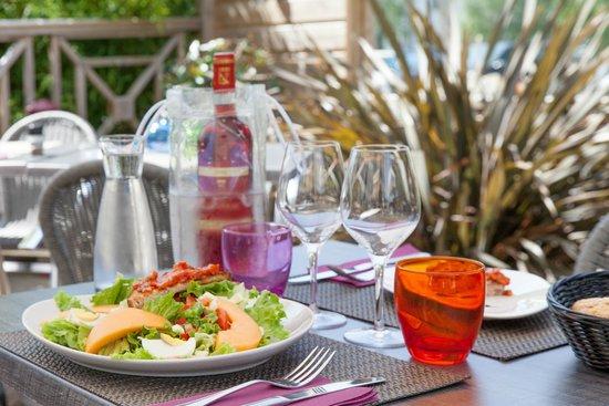 Comfort Hotel Bordeaux sud à Gradignan : Terrasse du restaurant