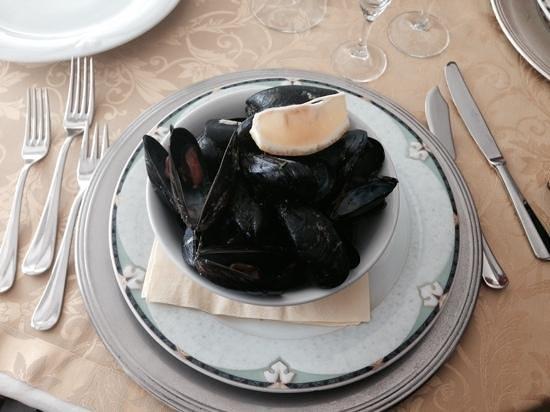 Vittorio al Mare: cozze alla marinara come antipasto