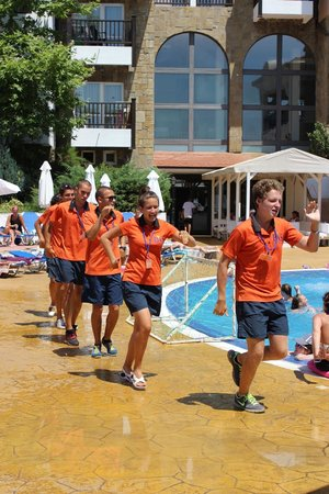 Bella Vista Beach Club: Team Animation laver lege ved poolen
