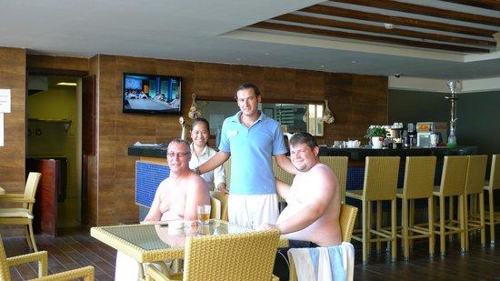 DoubleTree by Hilton Hotel Aqaba: Teresa Mohamad piscine de l'hôtel les sympas de l'hôtel