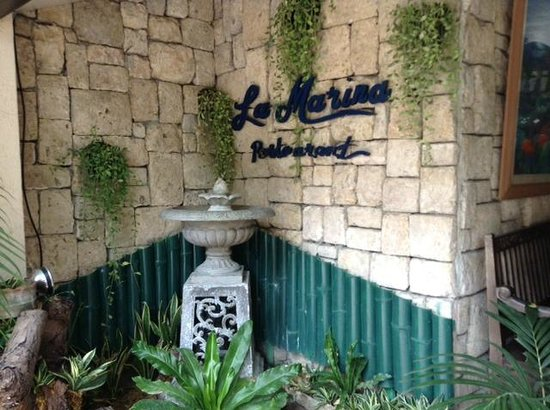 Costabella Tropical Beach Hotel: Вход в ресторан