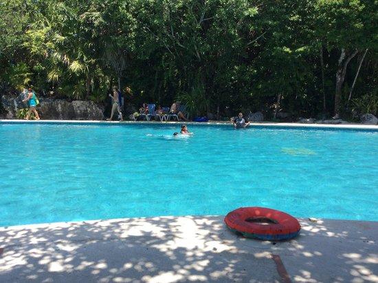 Grand Sirenis Riviera Maya Resort & Spa: Una de las albercas,