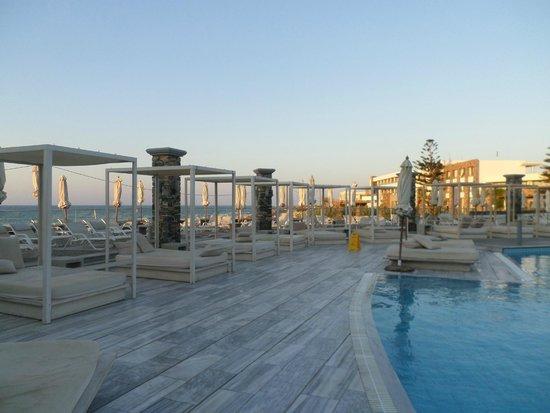 The Island Hotel : Pool area