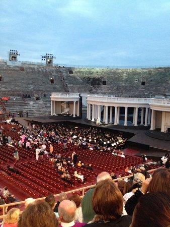 Arènes de Vérone : 5mn avant le spectacle magnifico