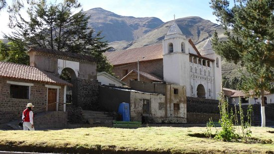 La Casa De Mama Yacchi: church