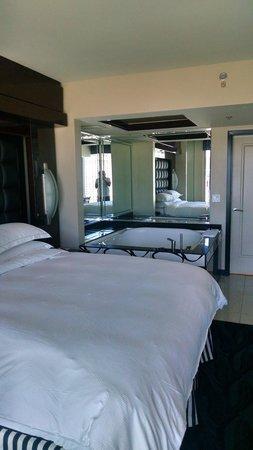 Elara by Hilton Grand Vacations : Bedroom
