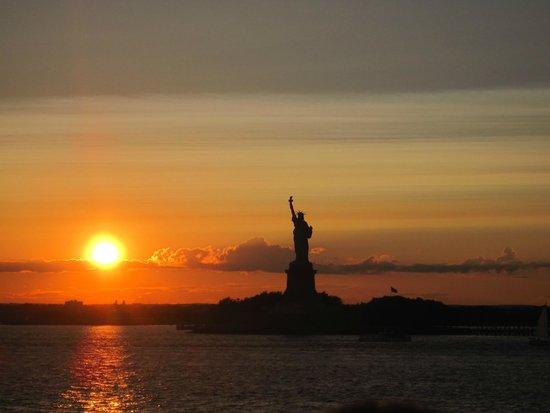 Statue de la liberté : atardecer desde el ferry a staten island