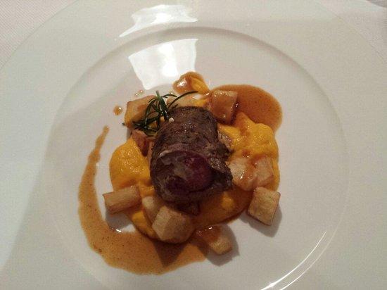 Hotel Heini: Rotolo di vitello con patate e crema di carote