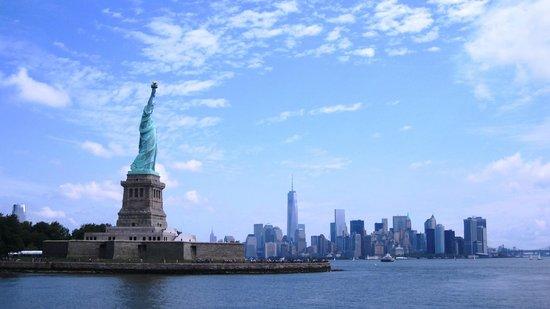 Statue de la liberté : con manhattan al fondo
