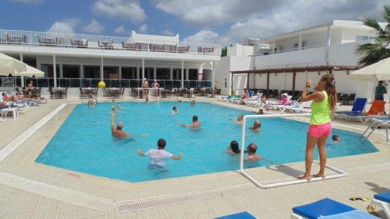 Petunya Beach Resort: Basen sportowy