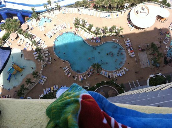 Wyndham Ocean Walk: 22 floor Balcony, more pools to the right and indoors