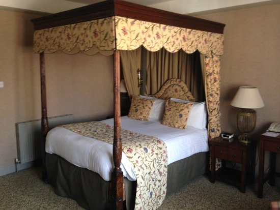 BEST WESTERN PLUS Swan Hotel : Four Poster Bed