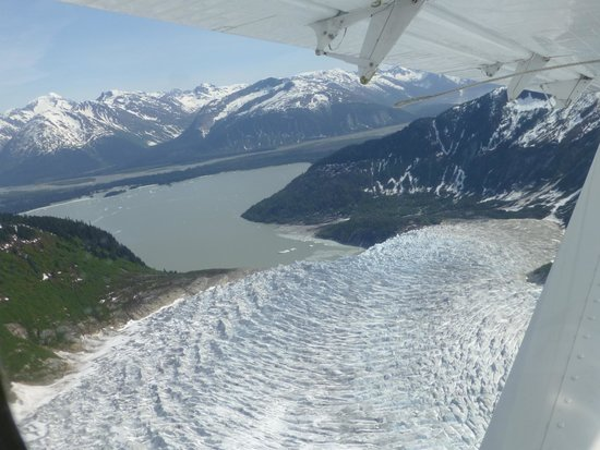 Taku Glacier Lodge & Wings Airways: Glacier