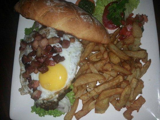 Le Jardin de Giancarlo: Cheeseburger bacon