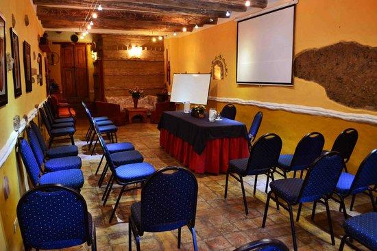 Hotel La Posada de San Antonio : salon de conferencias