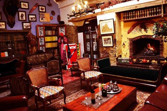 Hotel La Posada de San Antonio: zona de bar y lectura