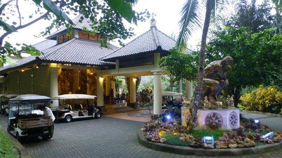 Ayung Resort Ubud: L'entrée de la réception