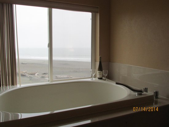 BEST WESTERN Beachfront Inn: from the hot tub