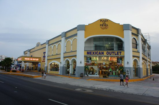 Mexican Outlet Store - Review of Plaza la Fiesta, Cancun, Mexico -  Tripadvisor