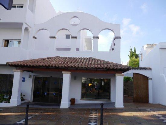Gavimar Ariel Chico Club Resort: The hotel