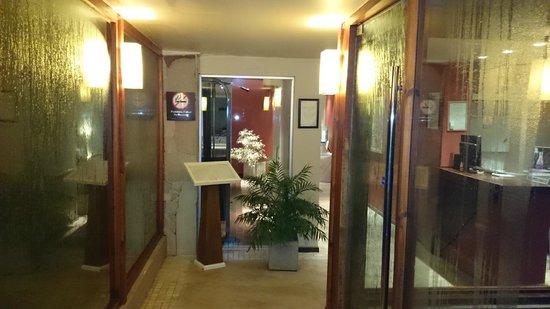 Alto Calafate Hotel Patagonico: entrada zona pisinas, sauna, sala de masajes