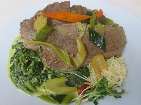 Zum Kornmesser: Kornmesser: Tafelspitz mit Spinat und Gemüse