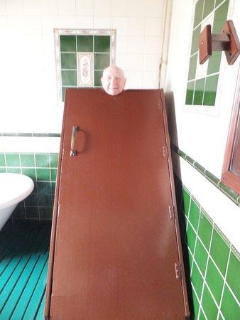 Kilcullen's Seaweed Baths: Arthur in steam box