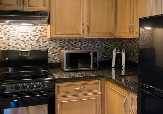 Super 8 Port Elgin: Apartment suite kitchen.  Entire suite renovated in 2014