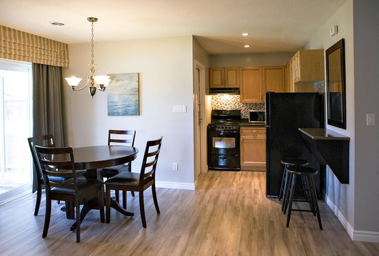 Super 8 Port Elgin: Apartment suite kitchen and dining area.  Entire suite fully renovated in 2014