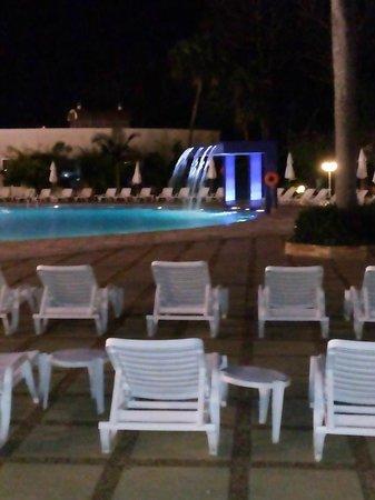 Bourbon Cataratas Convention & Spa Resort: PISCINA