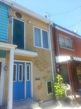 Savour Toronto : Just love this interesting neighbourhood!