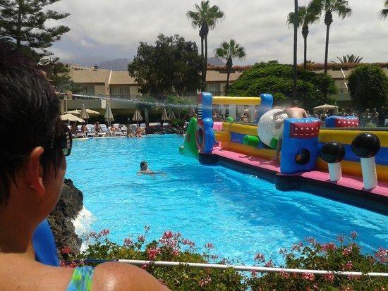 H10 Las Palmeras: inflatable fun at the pool