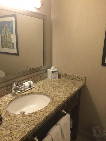 New Haven Hotel: Bathroom