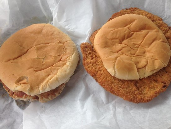 North Manchester, Индиана: Grilled and Breaded Tenderloins