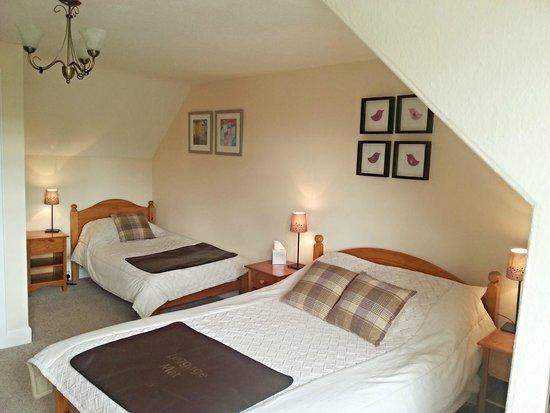 Westcot Bed & Breakfast : 'Teith' - Large Triple Room with Ensuite Bathroom